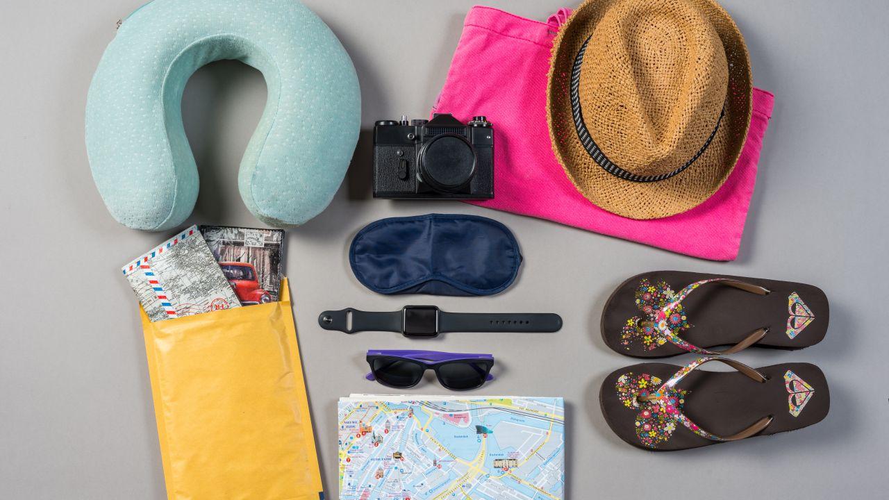 komfort podróży, poduszka podrózna, akcesoria podróżne, spanie w samolocie